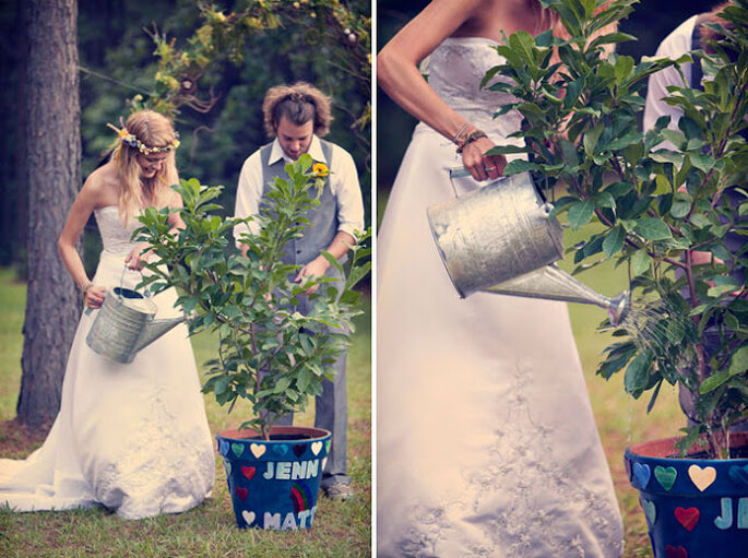Photo by Three Nails Photography via Green Wedding Shoes