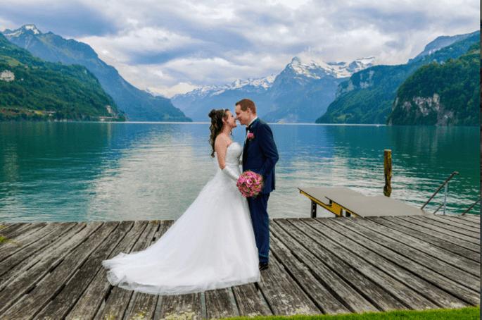 Ilaria Bosco - bacio sposi molo
