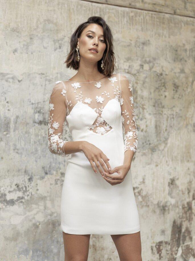 vestido de novia corto con transparencias