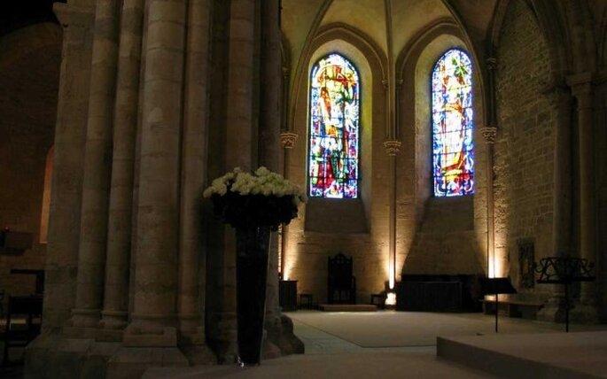 Eglise catholique décorée pour un mariage