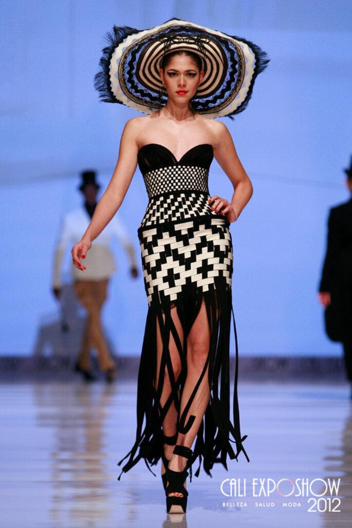 Abito da sposa Jean Paul Gaultier collezione 2013 con sombrero e motivo di chiara ispirazione colombiana. Foto: Cali Exposhow 2012