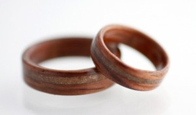 Alianzas de madera para bodas 2010.