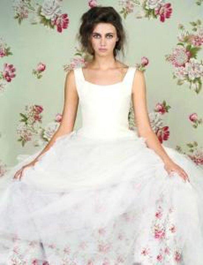 Friki 2010 - Vestido largo en tafetán con falda de tul, corte princesa