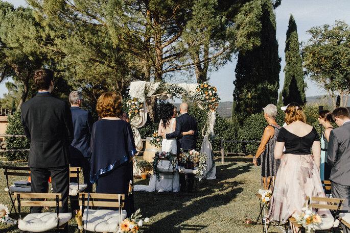 Eine kleien Hochzeit feiern, Trauung im Freien