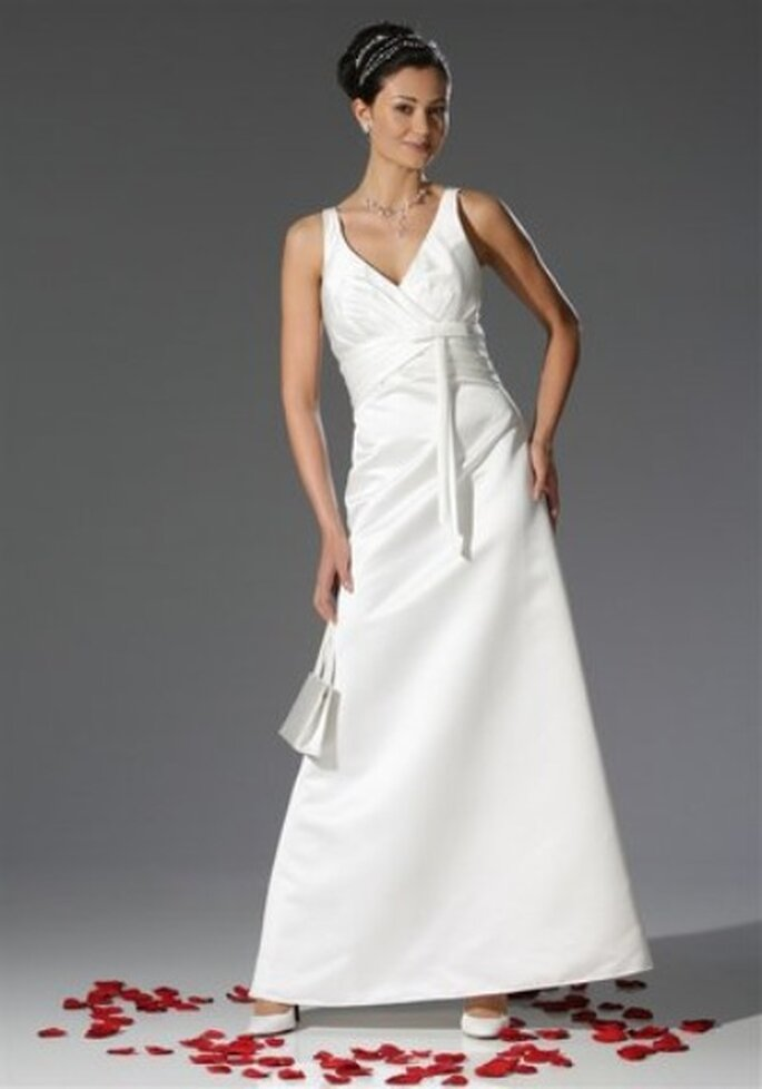 Welcher Schmuck passt zu welchem Brautkleid? Wir verraten es Ihnen!