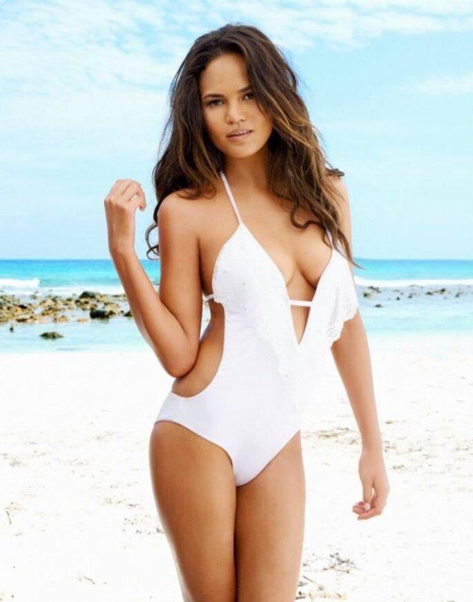 Traje de baño con encaje color blanco para novias - Foto Beach Bunny Swimwear