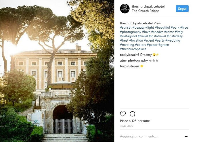 Foto via Instagram @thecurchpalacehotel