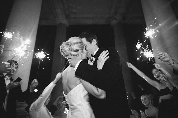 Luces de bengala en tu boda - Foto The Studio B Photography