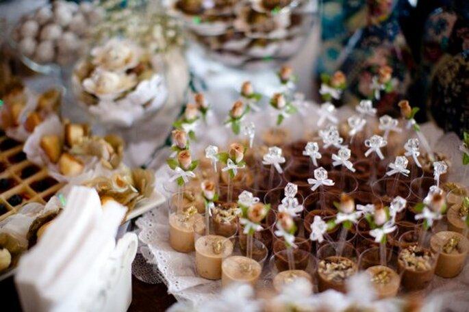 Para tener una mesa de dulces más bonita utiliza bandejas de plata, porcelana o vidrio. Foto: Marcelo Schmoeller