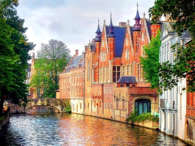 Bruges. Foto via Shutterstock: Chantal de Bruijne
