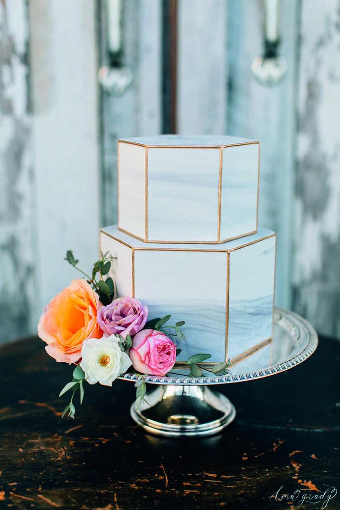 torta nuziale effetto marmo