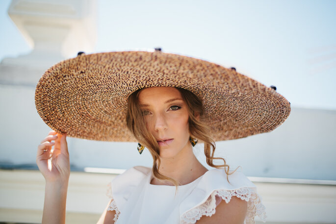 Novias con sombrero estilo pamela 3b4e55cbf22