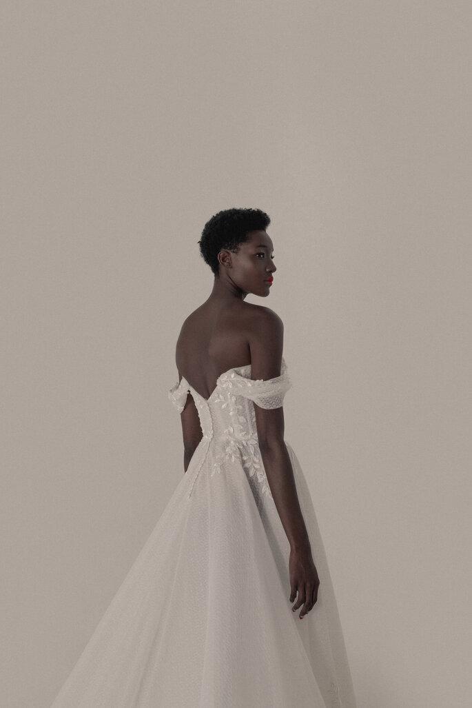 vestido de noiva com decote nas costas