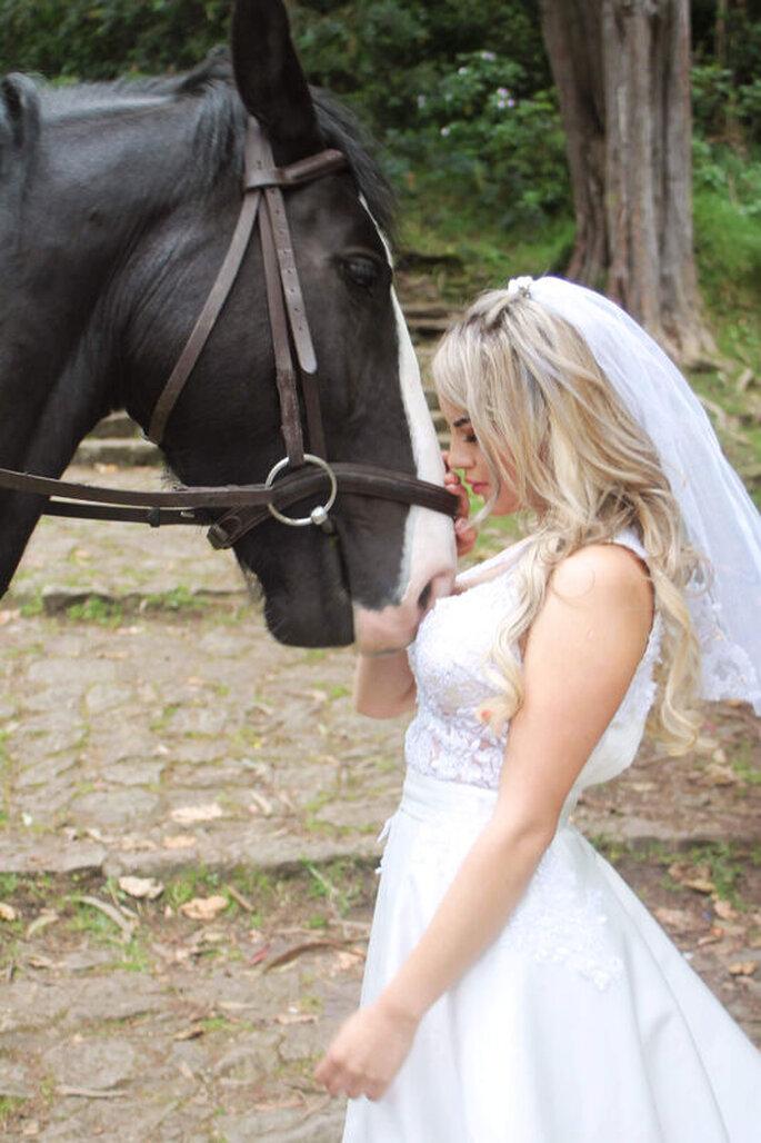 Etait Une Fois - Violeta Novia y caballo