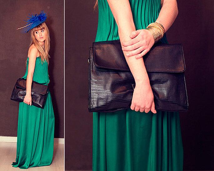 LOOK OUT: borsa oversize e copricapo appariscente. Foto: Villarrazo