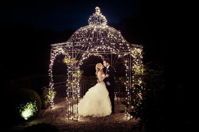 Die passende Hochzeitsbeleuchtung- Foto: Catchthemoment