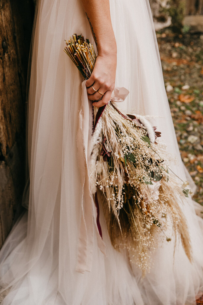Ramo de flores boho para bodas