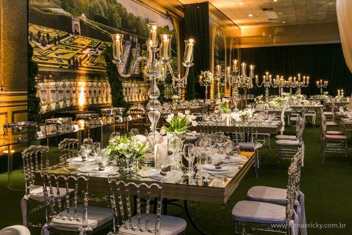 Mesas com decoração clássica