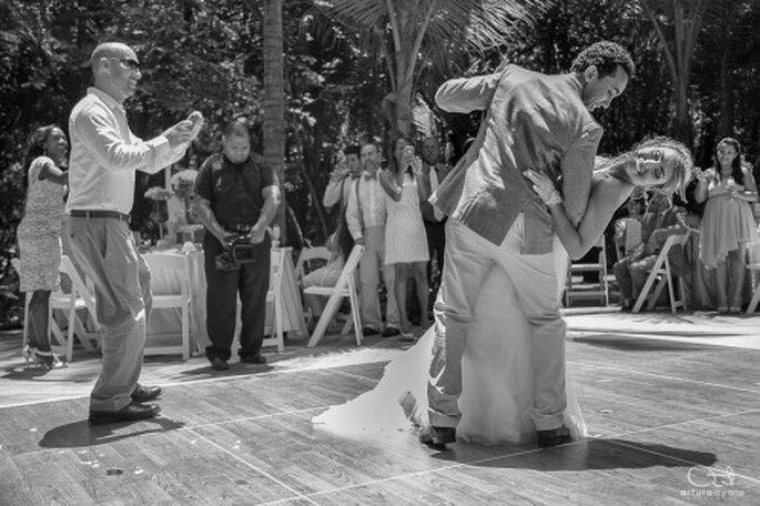 Un fotógrafo de bodas profesional te dará el mejor álbum de bodas - Foto Karla Joseph