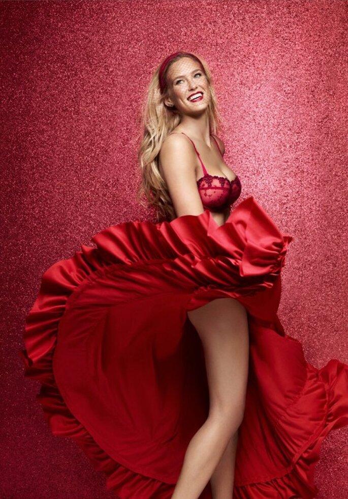 Romantica lencería de novia en color rojo para Navidad - Foto Passionata