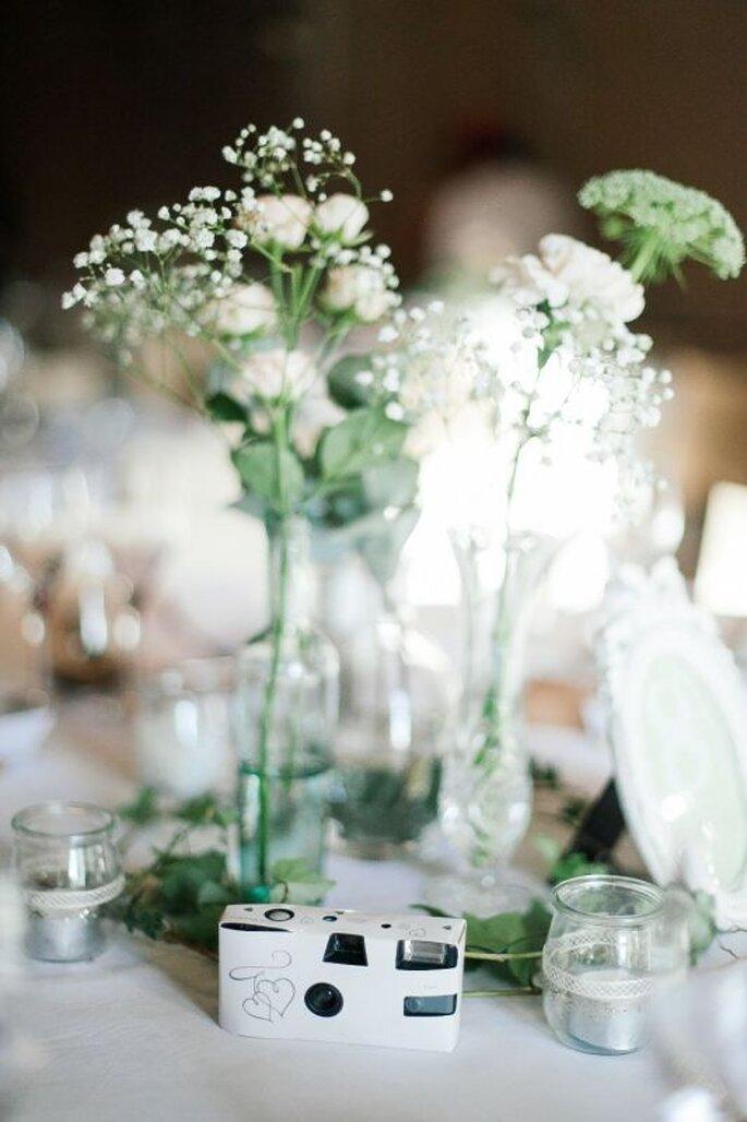 les 10 fa ons tendances de pr senter les fleurs votre mariage en 2016. Black Bedroom Furniture Sets. Home Design Ideas