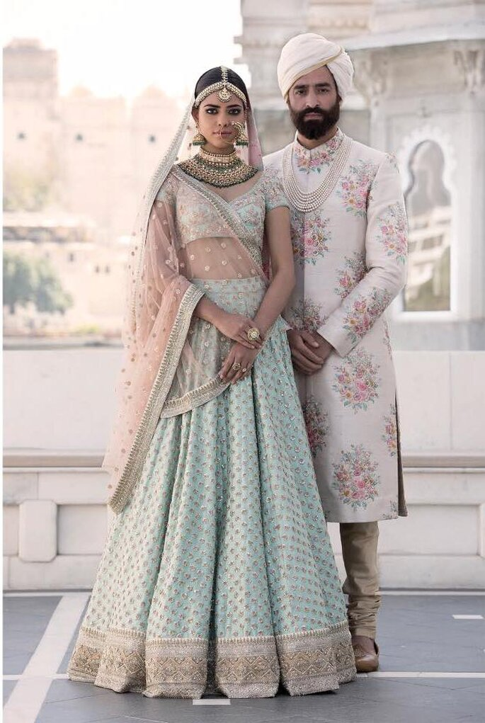 How To Choose A Stunning Wedding Outfit Matching Colors For Bride Groom