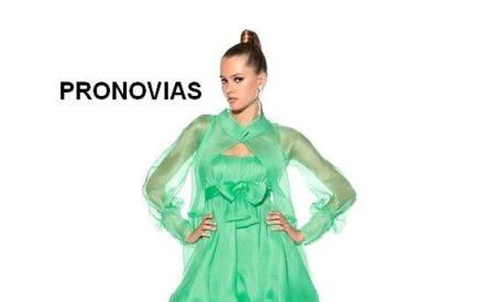 Colección de vestidos de cóctel con abrigo Pronovias 2010