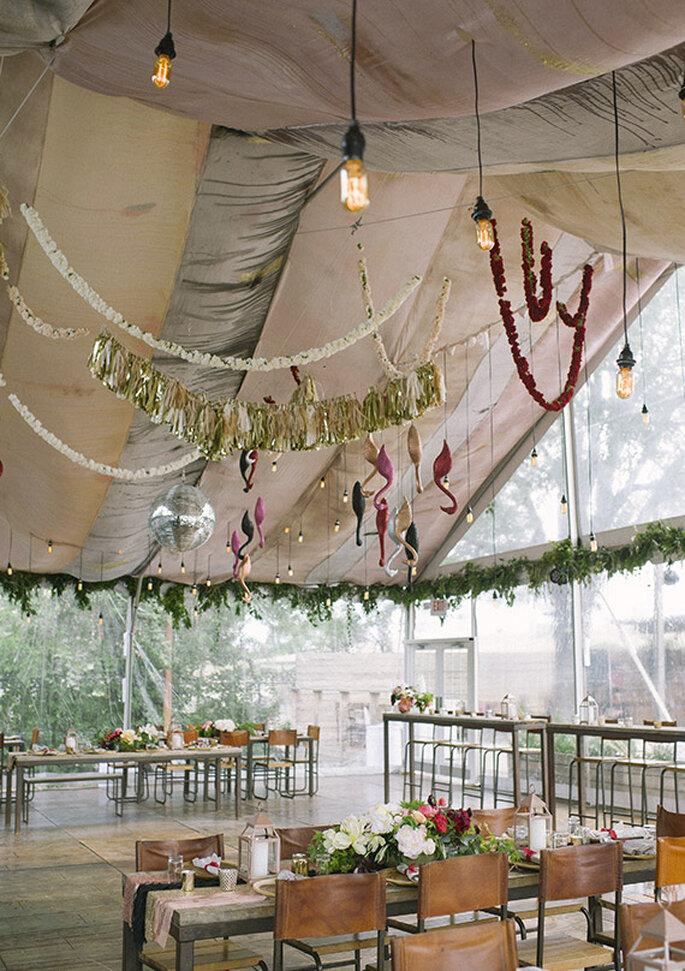 Ambientação total de um casamento boho chic - Foto Brooke Schwab