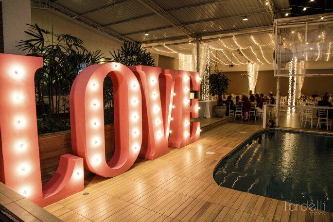 Letreiro iluminado para casamento