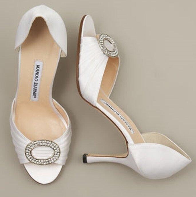 Edel und extravagant zugleich – Satin-Schuhe vom Schuhguru Manolo Blahnik – Foto: manolo blahnik