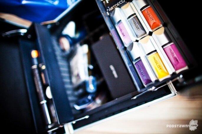 Caja de pinturas para maquillar a la novia - Foto: Rafał Podstawny