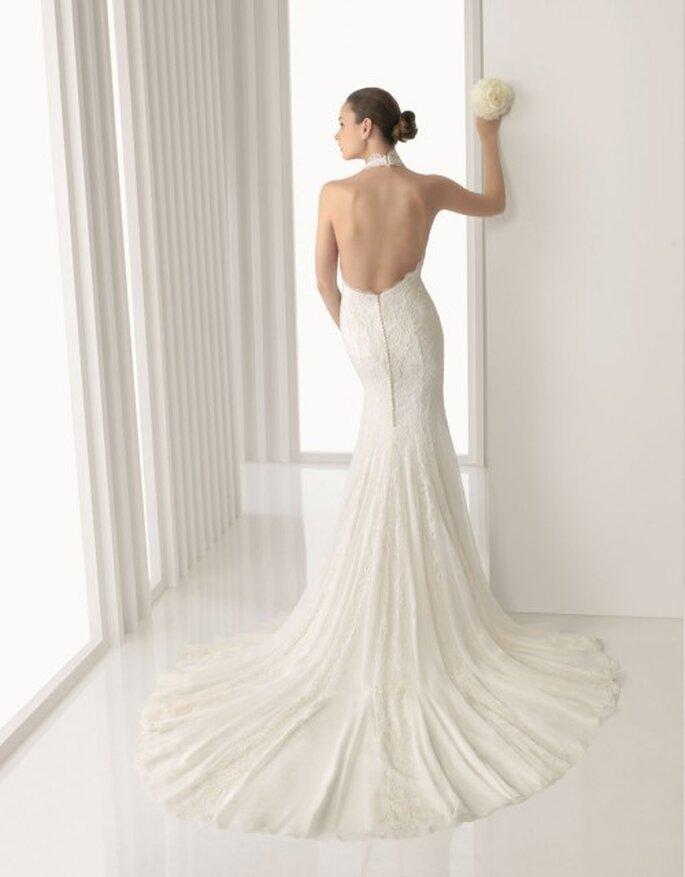 Vestito da sposa Rosa Clará 2012 con schiena scoperta.
