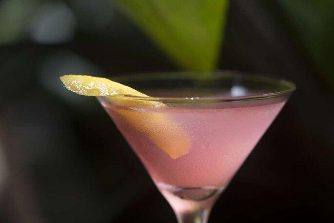 """""""Quando estamos num bar de casamento realizando o preparo do drink, queremos que aqueles convidados saiam felizes e satisfeitos."""""""