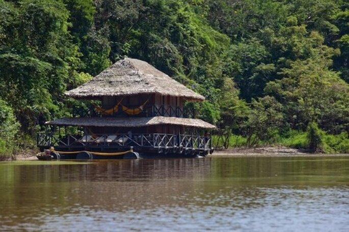 Puedes pasar tu luna de miel en una casa flotante en el Amazonas.