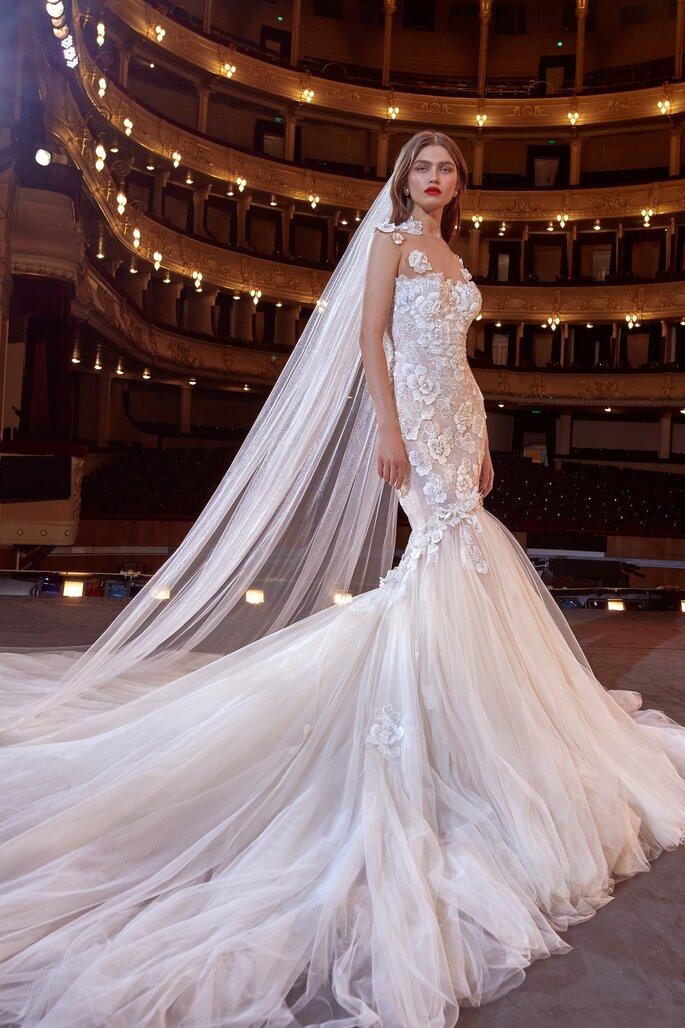 Vestido de novia corte sirena en tul y bordados florales