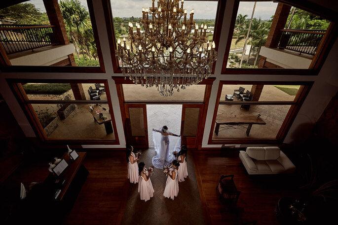 John Palacio Photography vestido de novia y damas de honor