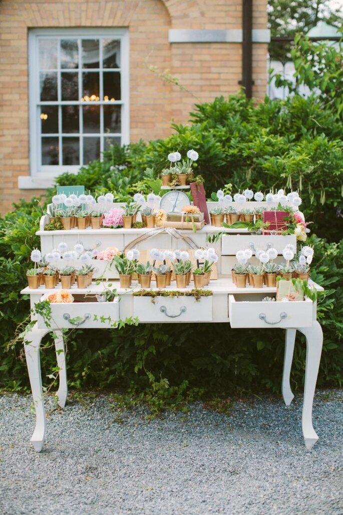 Mobiliario con diseños originales para decorar una boda - Foto Rebecca Arthurs