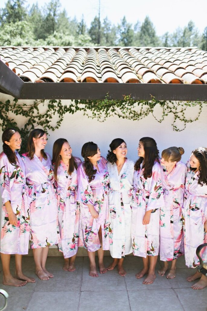 Tú y tus damas inspiradas en un mágico jardón de flores - Foto Adrienne Gunde Photography