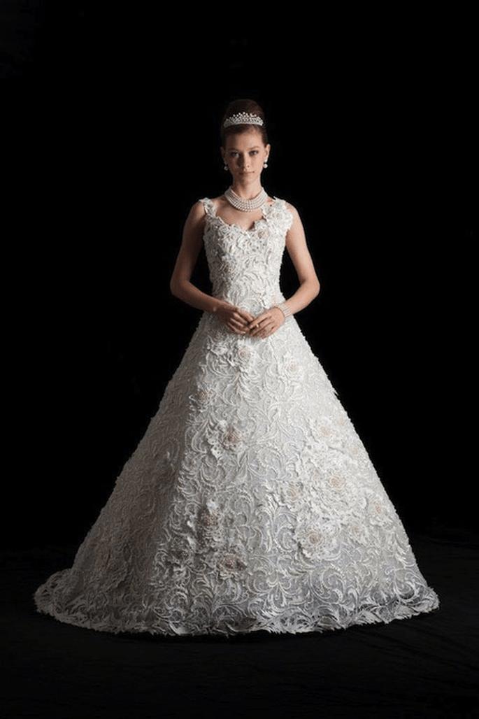 b74243349 Os vestidos de noiva mais caros da história