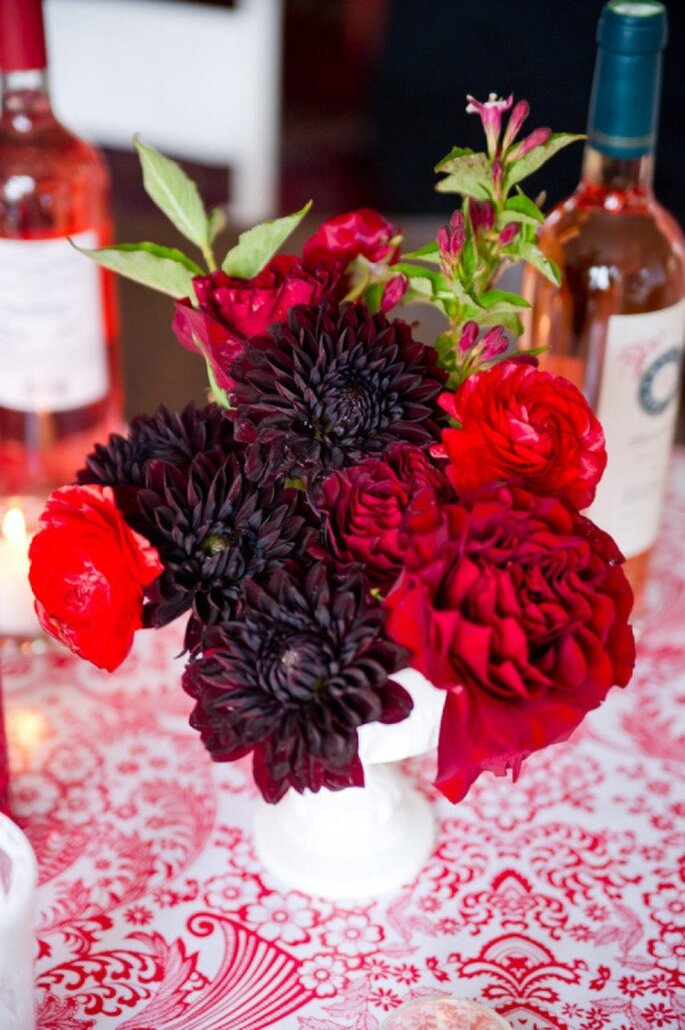 Tintes rojizos y magia en tu boda - Foto Erica Ann Photography