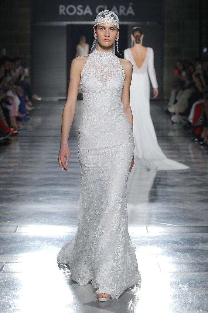 Vestido de novia cuello cisne corte sirena
