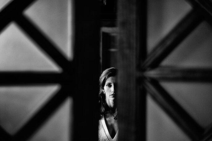 Fotografia: Nelson Marques + Andreia Torres Photography | Styling: GUIDA Design de Eventos ® | Vestido de noiva & Alta costura: Atelier Gio Rodrigues | Maquilhagem e cabelo: Espelho Meu | Joias: Pereirinha, Montblanc e Styliano