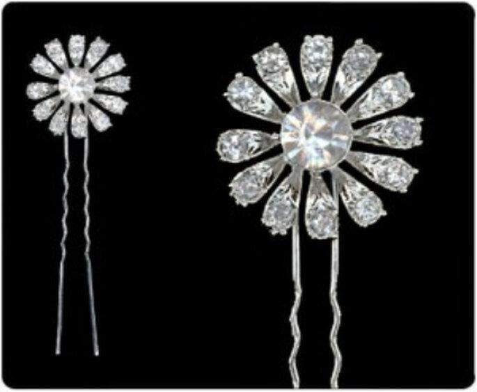 Delicadas horquillas o ondulines para novias recreando una flor en cristales tipo Swarovsky