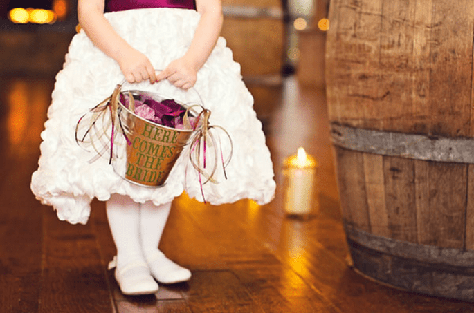 Vestidos con estilo y encanto para pajes de boda - Foto Jacquie Rives