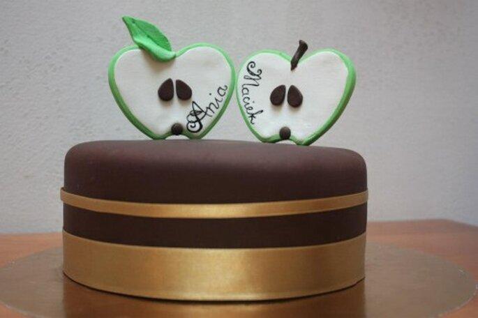 zabawny tort weselny z jabłkami