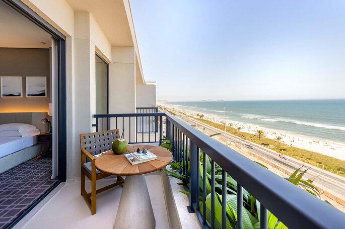 quarto de hotel de frente para o mar