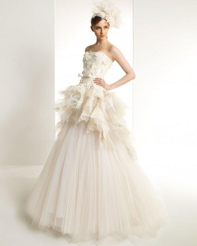 Edle Brautmoden-Kreationen vom Modeschöpfer Zuhar Murad – Foto: Kaolin/Rosa Clara