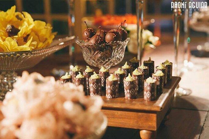 Chocolates decorados para casamento