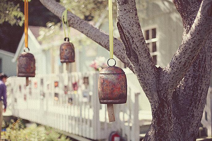 Ideas para usar objetos reciclados en el día de tu boda. Fotos de One Love Photo