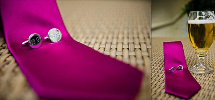 Farblich durchdacht - auch die Krawatte des Bräutigam ist pink. - Foto: jonpride.com
